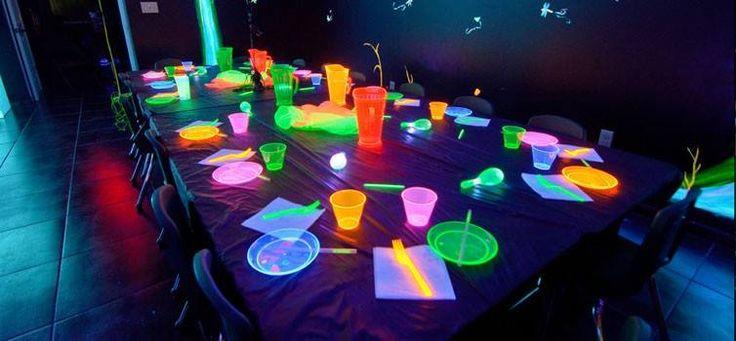 Divertiti con i braccialetti fluorescenti - http://www.chizzocute.it/divertiti-braccialetti-fluorescenti/