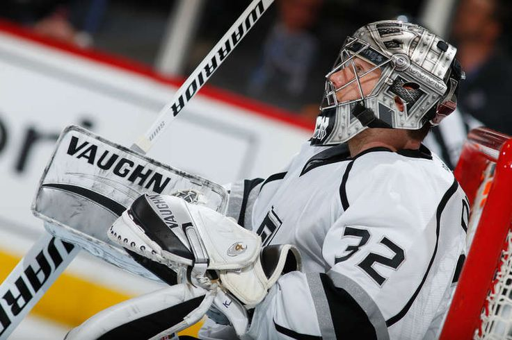 Jonathan Quick #32 of the Los Angeles Kings