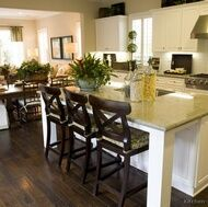 http://www.kitchen-design-ideas.org/pictures-of-kitchens-traditional-white.html