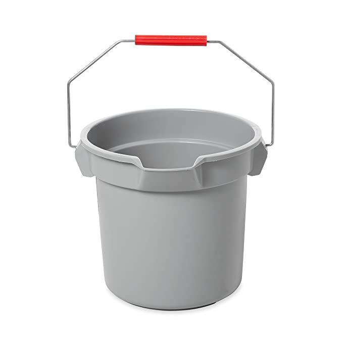 Amazon Com Rubbermaid Commercial 10 Qt Brute Heavy Duty Corrosive Resistant Round Bucket Red Fg296300red Health In 2020 Rubbermaid Cleaning Supplies List Bucket