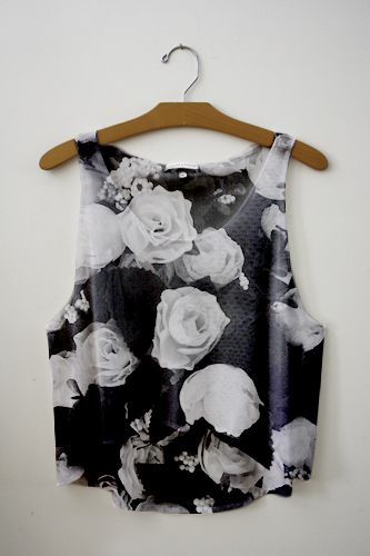 I'm not really into silky tops like this one, but this is so cute, i would love to have it in my closet.