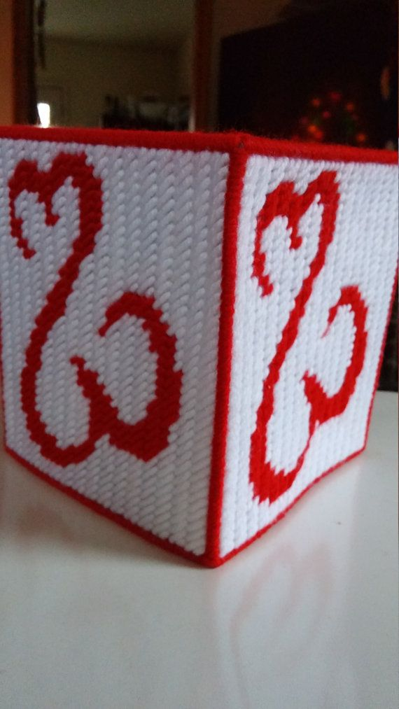 Open heart tissue box cover. Made with red and white yarn. Comes with a boutique tissue box. Fashioned in a pet free, smoke free home. This is already made by hand and ready to ship. Combined shipping is always offered