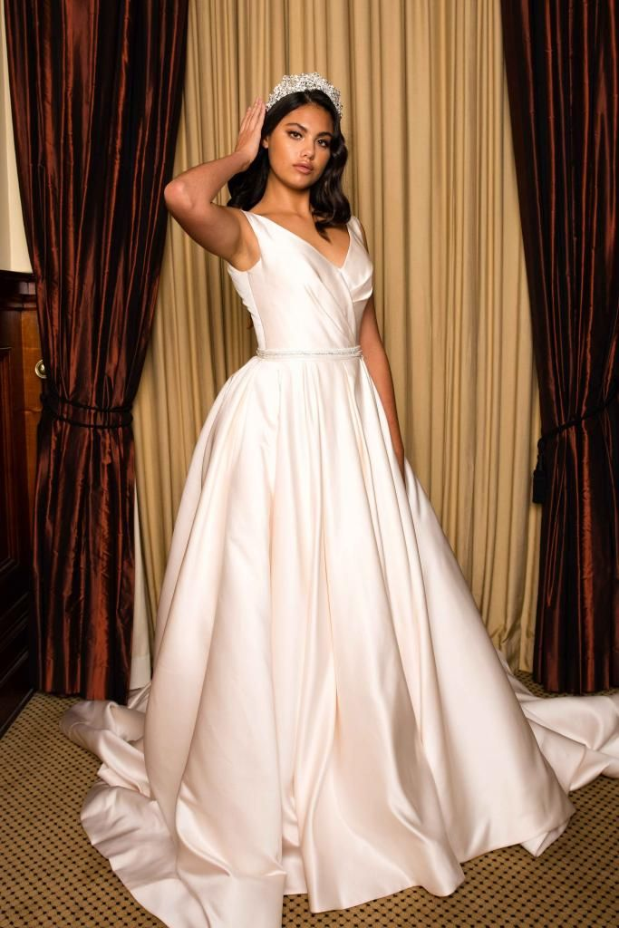 Pearce As Chic As She Is Sheen Our Pearce Gown Is Everything