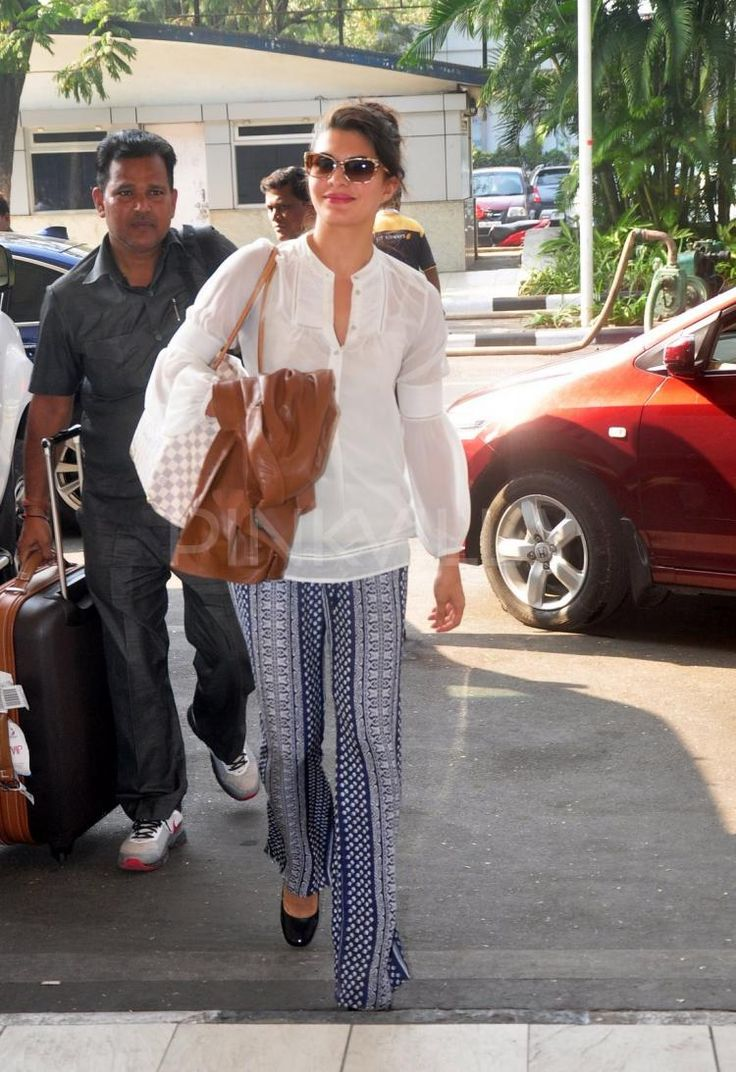 Jacqueline Fernandez clicked at the airport | PINKVILLA