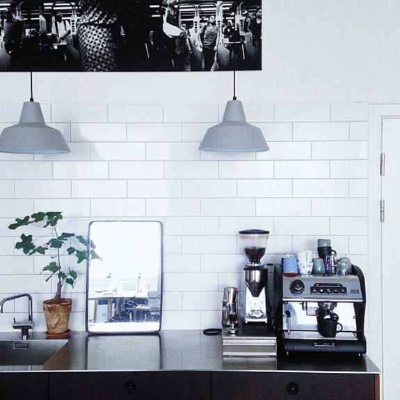 Bungalow5_Kitchen Corners by Chris_1