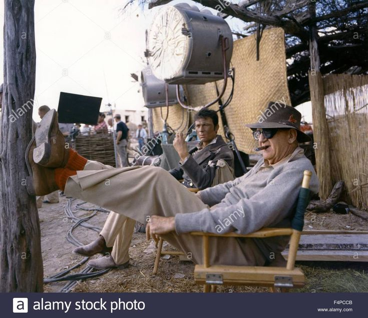 Laurence Harvey, John Ford / The Alamo 1960 Directed By John Wayne Stock Photo, Royalty Free Image: 89003163 - Alamy