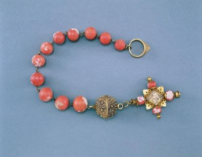 Rosary - From the estate of Stephen Bathory (1533-1586). Gilded silver and coral. Italy circa 1570.