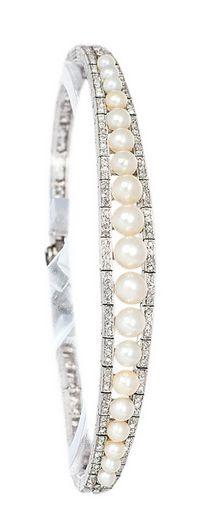 *An Art Nouveau diamond bracelet with Orient pearls by Roelof Citroën Amsterdam/ Den Haag, c. 1910.                                                                                                                                                     More