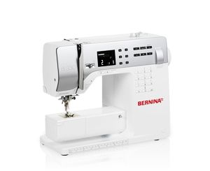 Success included: Sew precisely with the BERNINA 330 from the first stitch to the last – the ideal start for your creative hobby.