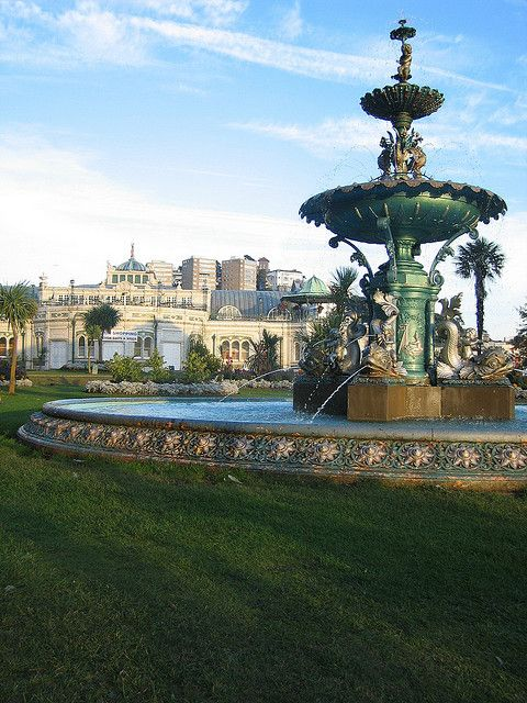 Torquay Fountain & Pavilion, English Riviera, Devon... de beaux souvenirs