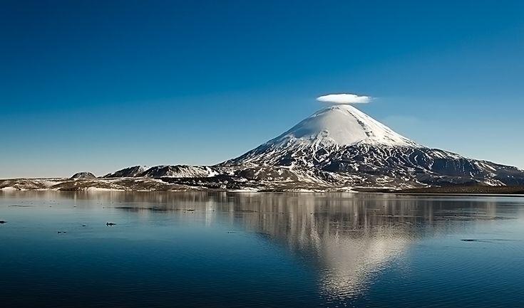 Lago Chungará y volcán Parinacota, Chile