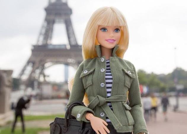 Η κορυφαία make up artist Pat McGrath δημιούργησε για την barbie, νέα μακιγιάζ, στα πλαίσια των fashion weeks! #makigiaz #omorfia