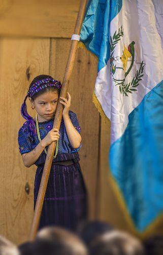 me abrazo de mi bandera | Flickr - Photo Sharing!