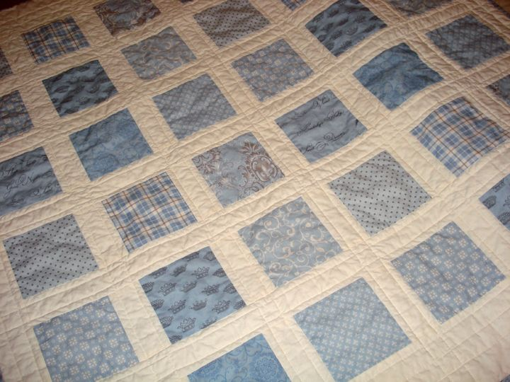 Baby boy quilt - so sweet and simple. Less is more for sure!