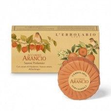 Accordo Arancio illatú szappan Mandarin, keserű narancs és lampionvirág-kivonattal - Rendeld meg online! Parfüm és kozmetikum család a Lerbolario naturkozmetikumoktól