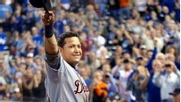 Miguel Cabrera of Detroit Tigers beats Mike Trout of Los Angeles Angels for American League MVP - ESPN