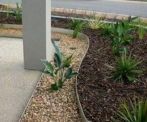 Metal Garden Lawn Edging installed.