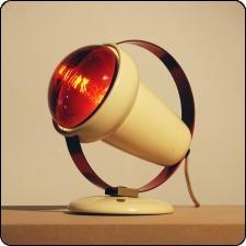 Infraphil Desk Lamp by Charlotte Perriand for Philips heb hem nog werkt nog prima bij pijn