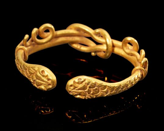 Roman Gold Snake Ring with Herakles Knot, 1st Century AD