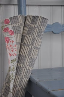 <3 printed fabric on the trim...never would have thought of this, especially a print, but very nice!