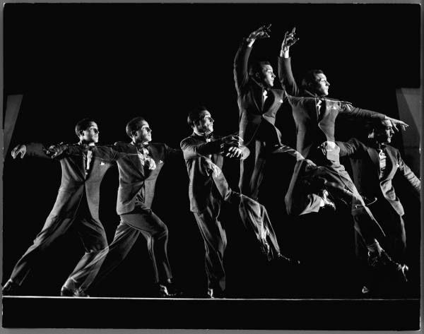 Gjon Mili image of Gene Kelly leaping.