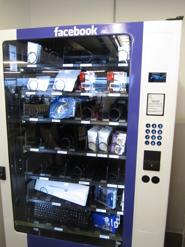 296 best images about vending machines on pinterest coins vending machines in japan and. Black Bedroom Furniture Sets. Home Design Ideas