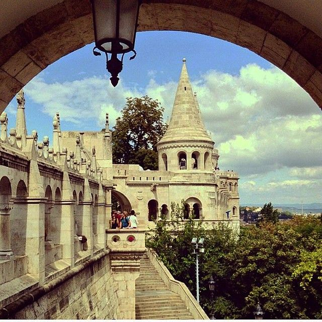 Fishermen's Bastion is one of the most fascinating sights on Castle Hill. Although fishermen from Watertown (Víziváros) reputedly defended this part of the city during the Middle Ages, Fishermen's Bastion was built in the 1890s and it's purely decorative. Today, it's a favorite lookout.