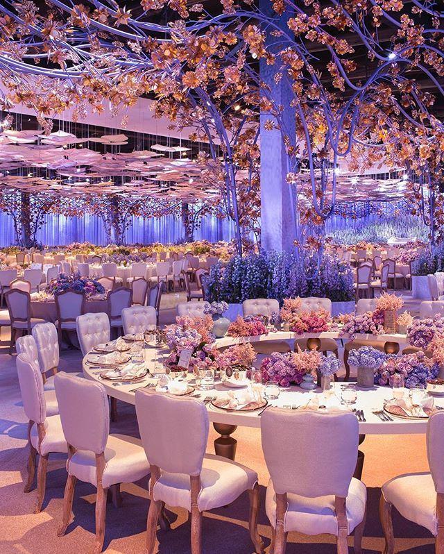 In this #Doha, #Qatar-based wedding, DesignLab Events transformed the reception…