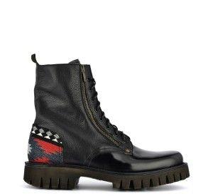 ALL THE STRENGTH OF MILITARY STYLE IN BARRACUDA'S COMBAT BOOTS FOR WOMEN! READ MORE HERE: http://www.barracudastyle.com/en/anfibi-moda-uomo-2015-il-fashion-maschile-dichiara-guerriglia-urbana/