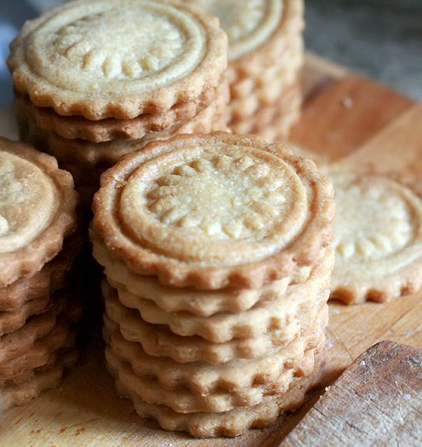 Biscotti normali alle mandorle | http://www.ilpastonudo.it/biscotti/biscotti-normali-alle-mandorle/