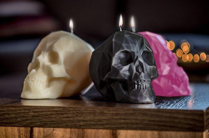 Znalezione obrazy dla zapytania świeczki czaszki
