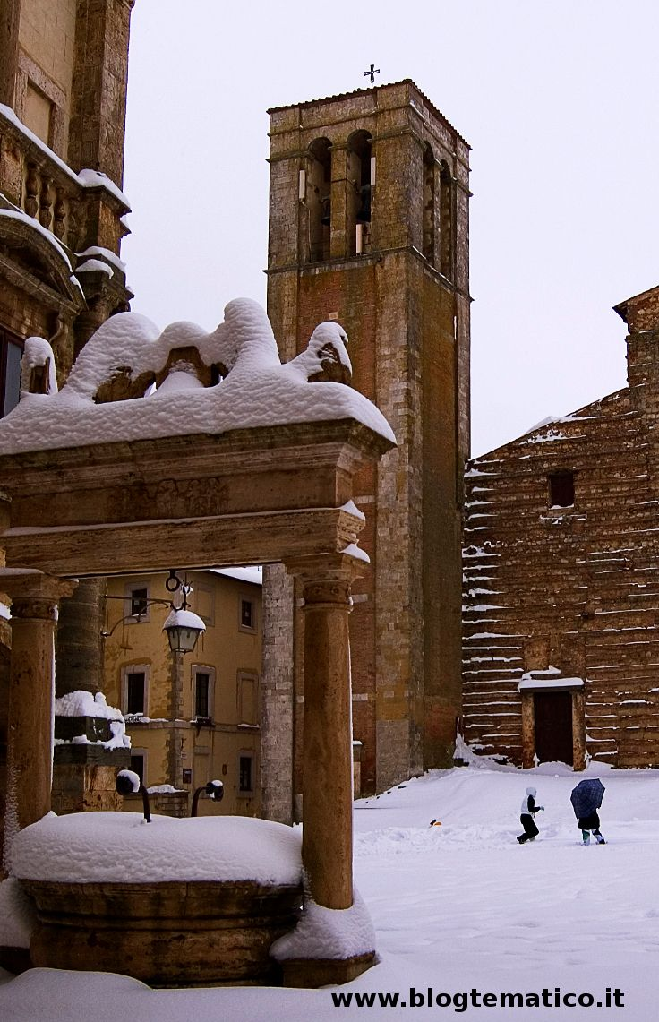 Montepulciano: piazza Grande sotto la neve-   _______________________ -ITALIA-TOSCANA:il Vino Nobile di Montepulciano, in Val di Chiana-Siena- by Francesco-Welcome and enjoy- #WonderfulExpo2015 #Wonderfooditaly #MadeinItaly #slowfood #FrancescoBruno @Francesco Bruno www.blogtematico.it frbrun@tiscali.it www.francoingbrun... #Basilicata