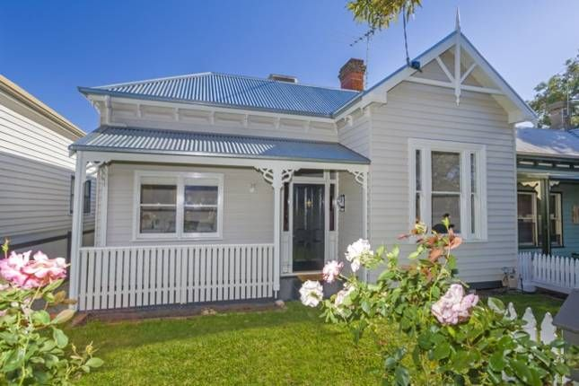 The Light Keeper's Cottage | Queenscliff, VIC | Accommodation. From $350 per night. Sleeps 12.