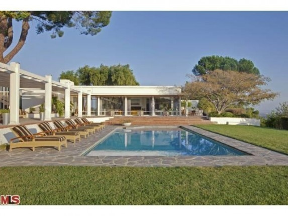 Glassy Home was Rumored Rendezvous of Marilyn Monroe and JFK | Zillow Blog