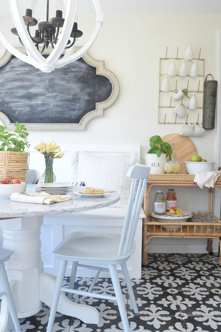 Kitchen Banquette Built-in