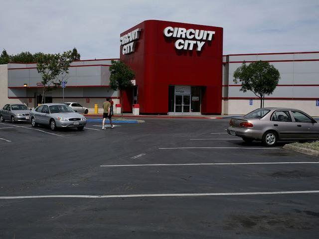Zum Circuit City gehen, um einen DS zu kaufen