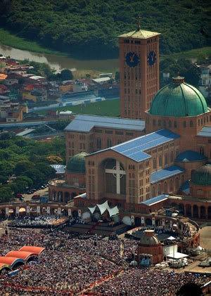 Santuário de Nossa Senhora Aparecida,Fica na cidade de Aparecida interior de São Paulo-Brasil