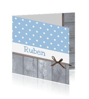 Jongens geboortekaartje met grijs steigerhout, lichtblauw stippen patroon. Boy birth announcement card, wood, ribbon, polka dot. Designed by Zoe Brench, Studio Elli & Zo, MyCards.nl
