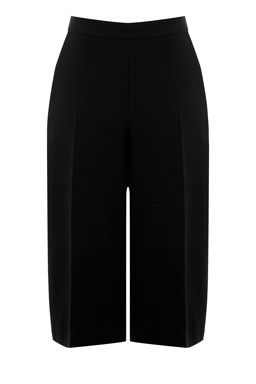 These pair of on-trend culottes features a mid-rise, two side pockets, tailored cut and fastening at the side with a concealed zip. Length 73cm approx. Height of model shown: 5ft 10 inches/178cm. Model wears: UK size 10.Fabric: Main: 73.0% Polyester