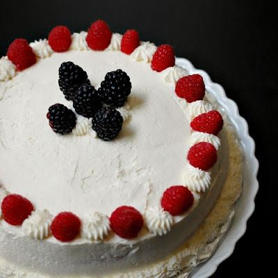 Eva Bakes - There's always room for dessert!: Chinese bakery-style cake