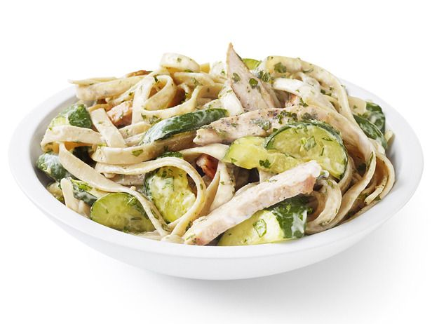 73 Healthy Weeknight Dinners from @Food NetworkFood Network, Weeknight Dinner, Chicken Zucchini Alfredo, Alfredo Sauces, Healthy Dinner, Foodnetwork, Chickenzucchini Alfredo, Healthy Chicken, Chicken Breast