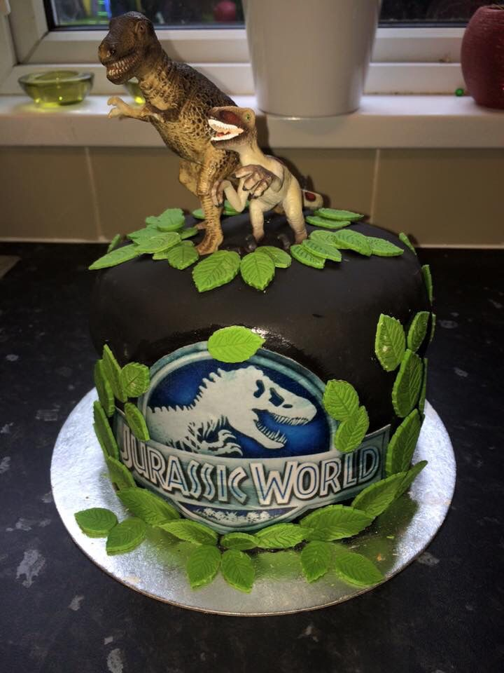 17 Best Images About Cake Ideas On Pinterest Jurassic World Birthday