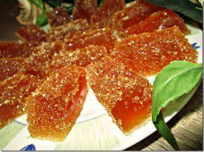 мармелад из фруктового сока (700x526, 745Kb)Фруктовый сок - 100 мл ( у меня ананасовый+ 2 ст.л сиропа от клубничного варенья ) Вода - 100 мл Сахар - 200 г (100 гр коричневого+100 гр белого) Желатин - 20 г
