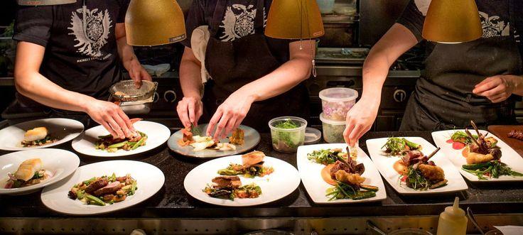 Une soirée au Club Chasse et Pêche est un rite de passage pour tout grand gourmet.