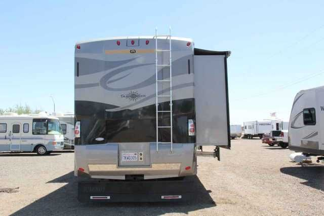 2007 Used Itasca SUNCRUISER 38T Class A in Arizona AZ.Recreational Vehicle, rv, When they say not all Class A's are created equal they had this 2007 Itasca Suncruiser in mind!! This coach is loaded and in pristine condition. Very well kept and you can see the pride of ownership in all the small details. This coach has so many additional options and upgrades we can't list them all here, but here are a few. 22.5 inch tires, side and rear cameras, Alcoa wheels, 2 dishes on the roof, outside…