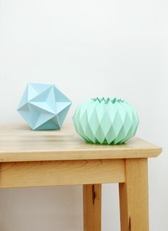 DIY: accordion paper folding / candle holders (free printable template)