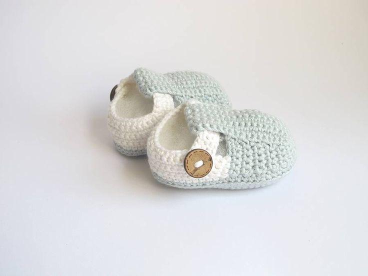 original_hand-crochet-t-bar-baby-shoes.jpg (900×675)