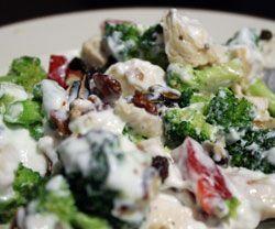 Broccolisalat opskrift