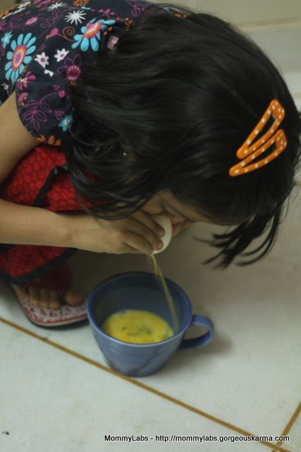 How to blow out the inside of an egg and get the shell intact... www.mommy-labs.com