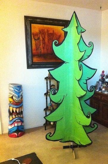 make a cartoon christmas tree!